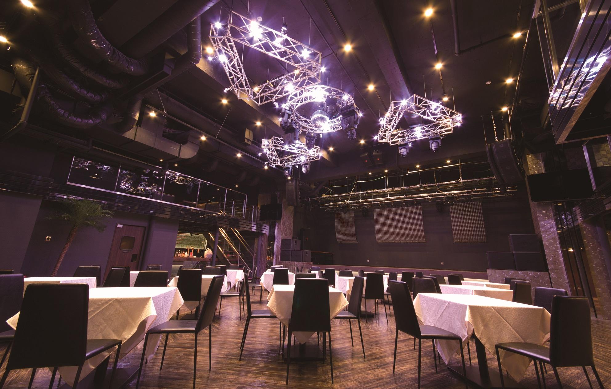7F PARMS 食事付きのLIVEや、ディナーショーにも最適な会場です。