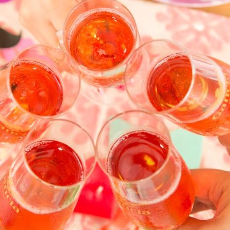 ◆樽詰スパークリングワインも飲み放題のドリンクバー完備◆
